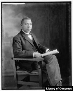 Booker T. Washington portrait. (Harris & Ewing photograph, Prints and Photographs Division)