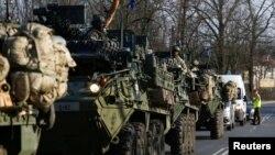 ARHIVA - Američki vojni konvoj na putu iz Nemačke do Poljske u martu 2017. (Foto: Reuters)