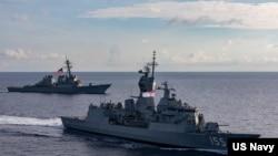 HMAS Ballarat sails with USS John S. McCain enroute to Exercise Malabar. (US Navy)