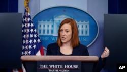 资料照片-白宫新闻秘书莎琪在白宫的新闻发布会上回答提问。(2021年1月29日)