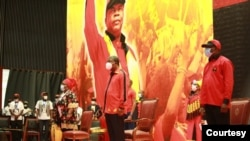 Presidente angolano na celebração do 64º aniversário do MPLA