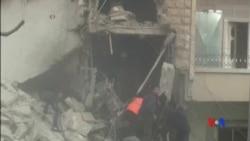 2015-12-21 美國之音視頻新聞: 疑似俄羅斯空襲在敘利亞至少36人喪生