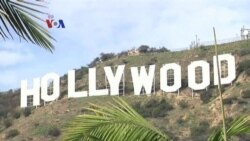 Selfie di Papan Nama Hollywood Menjelang Piala Oscar