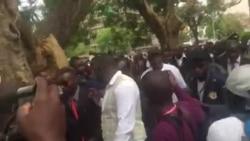 MDC Activists Booing VP Elias Mudzuri ...
