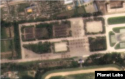 13일 평양 열병식 훈련장에 많은 병력들이 도열한 모습이 보인다. 사진제공=Planet Labs
