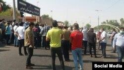 تجمع کارگران هفت تپه در مقابل فرمانداری شهرستان شوش