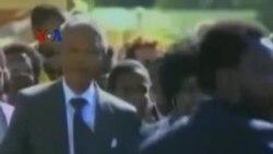 Kemeja Madiba Mandela Beri Inspirasi bagi Perancang Muda