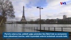 Paris'te Sel Hayatı Felce Uğrattı