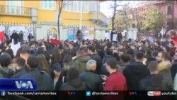 Tiranë: Shoqëria civile kërkon rishikimin e projekt-ligjit për rininë