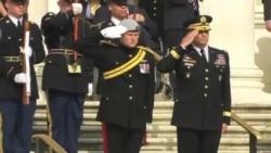Príncipe Harry visita Cementerio de Arlington