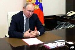 블라디미르 푸틴 러시아 대통령이 15일 모스크바에서 안보회의를 주재하고 있다.