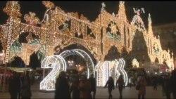 Росіяни розповіли, як і у чому обмежуватимуть себе на Новорічні свята. Відео