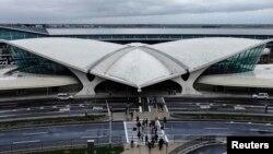 Terminal internacional del aeropuerto JFK en Nueva York donde se han iniciado los controles sanitarios por el ébola.