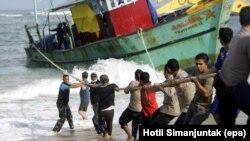 استرالیا می گوید بسیاری از مهاجران از طریق بنادر اندونزی می خواهند به استرالیا برسند.