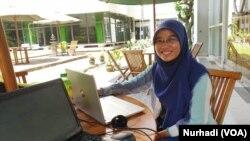 Dipta Bthari Candraruna, mahasiswi Program S2 Ilmu Teknologi Pangan UGM. (Foto: VOA/ Nurhadi)