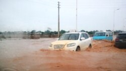 Chuva mata e destrói em Luanda - 2:03