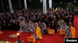 Theo ước tính của USCIRF, đa phần trong số hơn 94 triệu dân ở Việt Nam theo đạo Phật. (Ảnh tư liệu)