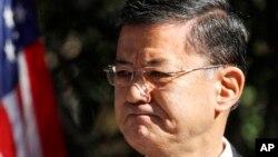 Menteri Urusan Veteran Eric Shinseki (foto:dok). Kongres AS memanggilnya untuk bersaksi mengenai daftar tunggu yang panjang bagi veteran militer untuk mendapat perawatan medis.