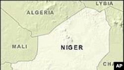 Niger: AQMI revendique l'enlèvement des cinq Français