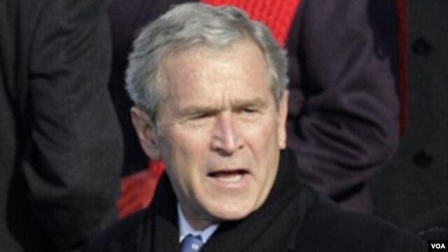 """""""Estados Unidos puede ser una sociedad de leyes y una sociedad acogedora al mismo tiempo"""", dijo Bush."""