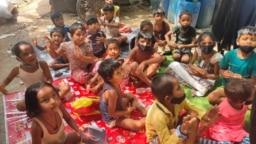 Anak-anak India belajar di ruang terbuka di tengah pandemi COVID-19 di pinggiran New Delhi, India. (foto: ilustrasi - Anjana Pasricha/VOA)