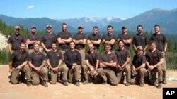 Algunos de los bomberos de esta foto están entre los 19 víctimas del incendio.