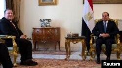 د بهرنیو چارو وزیر مایک پمپیو او د مصر جمهور رئیس عبدالفتاح السیسي