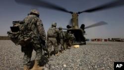 AS dan Afghanistan mencapai kesepakatan mengenai peran pasukan AS pasca penarikan mundur misi pasukan koalisi tahun 2014 (foto: dok).
