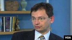 Nikolas Veron, visoki saradnik Instituta Peterson za međunarodnu ekonomsku strategiju