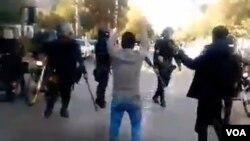 تصاویر مربوط به اعتراضات به گرانی بنزین در شهرهای مختلف ایران - کرمان