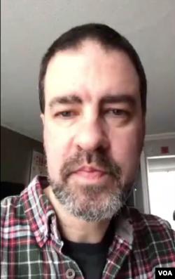 卡内基-清华全球政策中心非驻会研究员陈懋修(Matt Ferchen)通过Skype接受美国之音采访
