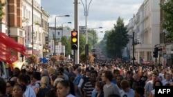 Dân chúng tham gia cuộc vui trong ngày lễ hội Notting Hill ở London trong những năm trước đây