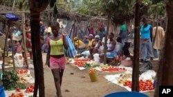 O grande mercado de Dombe, em Cabinda.