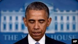 奧巴馬總統4月23日在一份簡短而又飽含感情的聲明中說﹐他無法想象美國人沃倫溫斯坦和意大利人吉奧萬尼洛-普托的家庭所承受的巨大悲痛而在此表示歉意。