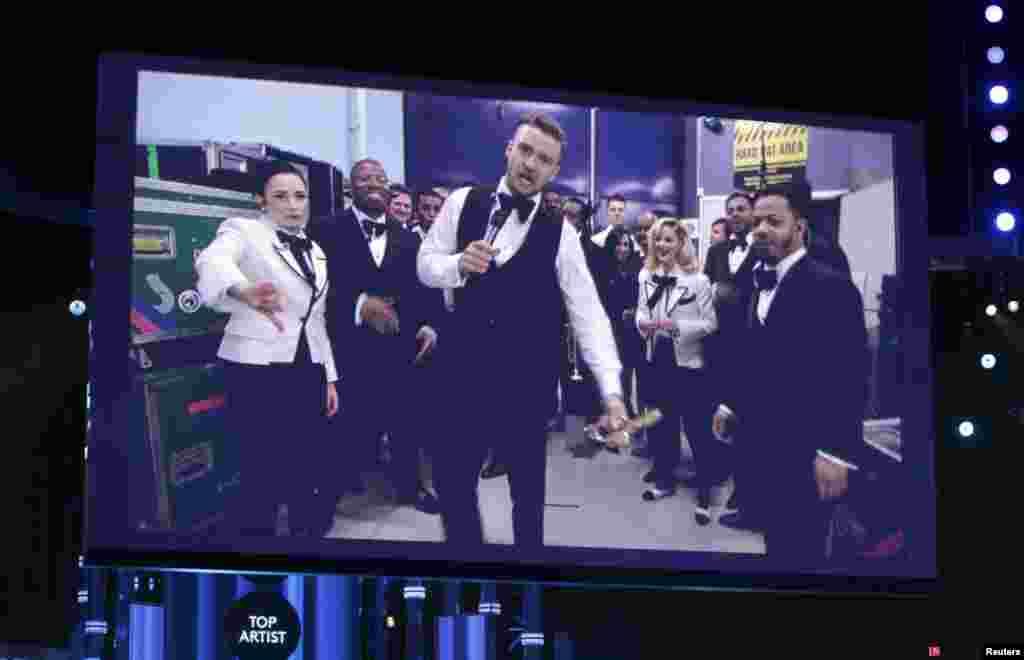 Justin Timberlake se consagró al recibir un total de siete trofeos durante la entrega de los premios Billboard 2014. En esta vista se proyectó a Timberlake en pantalla gigante al recibir el premio.