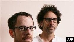 Итан (слева) и Джоэл Коэны