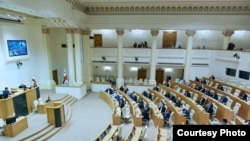 В зале заседаний парламента Грузии. Архивное фото.