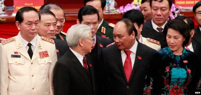 Dàn lãnh đạo mới, đứng đầu là Tổng Bí Thư Nguyễn Phú Trọng.