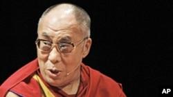 The Dalai Lama speaking in Chicago, Jul 18, 2011