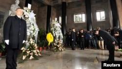 台灣行政院大陸委員會主任委員王郁琦一行於2月11日星期二抵達南京,拜謁了中山陵.