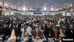 阿富汗大国民议会的成员11月21日在喀布尔举行会议