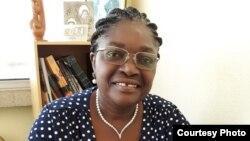 Maria Encarnação Pimenta, psicóloga (clínica e industrial) e professora universitária.