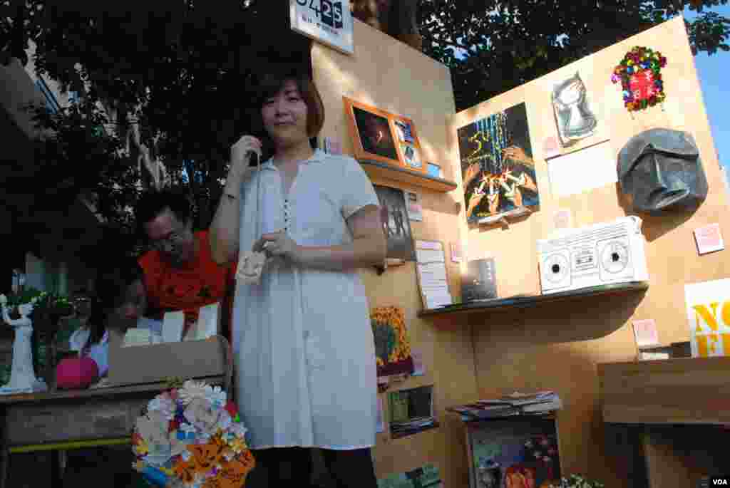 李明慧表示,展覽不賣弄血腥,以輕鬆的藝術氛圍,誘發參觀者對六四的思考