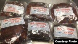 Mặc dù được dán nhãn cá khô nhưng hải quan Hoa Kỳ phát hiện bên trong là thịt bò. (Ảnh: Hải quan Hoa Kỳ).