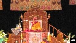 达赖喇嘛今年七月在华盛顿主持时轮金刚法会(资料照片)
