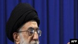 رهبر جمهوری اسلامی ضمن هشدار به تظاهرکنندگان، به سران اصلاح طلب گفت:«انتخابات تمام شد، کنار بکشید»