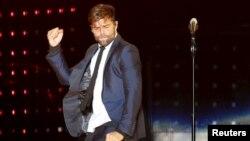El cantante Ricky Martin expresó su apoyo a la comunidad LGBT tras el mortal ataque a un club nocturno gay en Orlando, Florida.