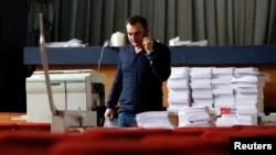 Roman Ljagin, vodja izborne komisije separatističke republike Donjecku u sedištu komisije, 8. maja 2014.