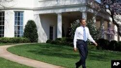 Обама ја промовира економската политика на турнеја по неколку сојузни држави