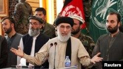 د اسلامي حزب مشر په افغانستان کې روانه جګړه قومي وبلله.